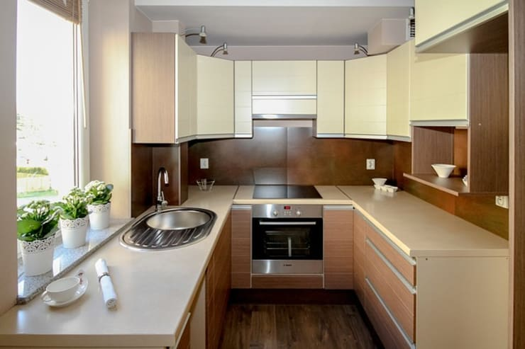 Projects in Bangalore, Hyderabad and Pune:  Kitchen by Bro4u Interior decorators,Asian