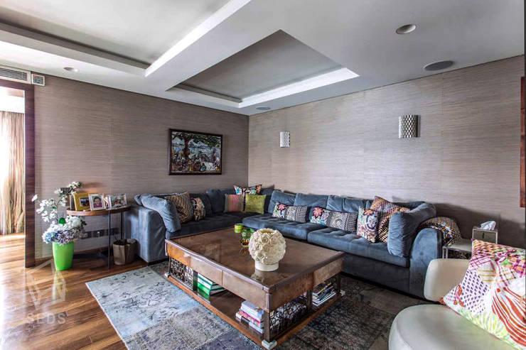 Maadi Apartment:  غرفة المعيشة تنفيذ info10624,
