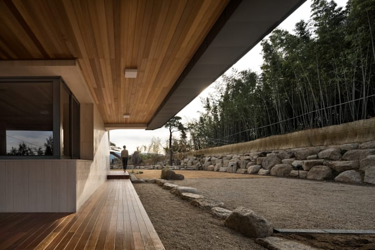 DASA House: 'Snow AIDe의  정원,모던