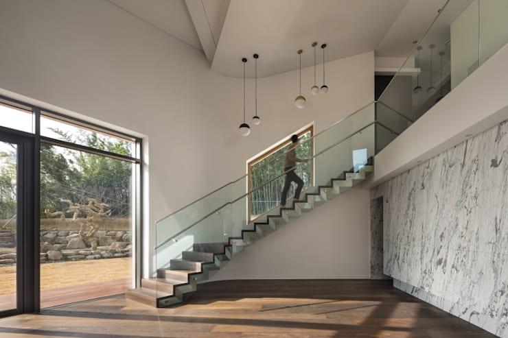 DASA House: 'Snow AIDe의  계단,모던
