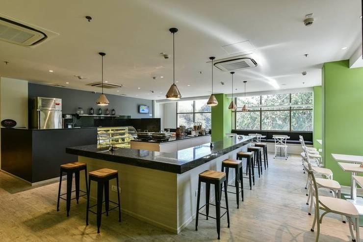 Dining :  Hotels by Racheta Interiors Pvt Limited,Modern