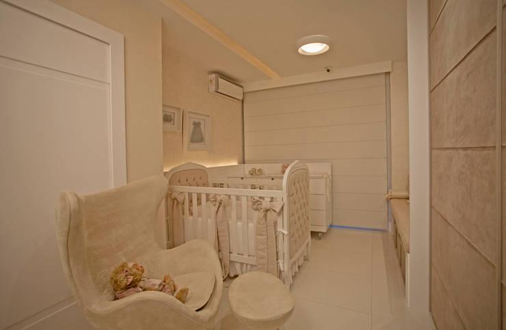 غرف الرضع تنفيذ PAULA MARTINS ARQUITETURA, INTERIORES E DETALHAMENTO