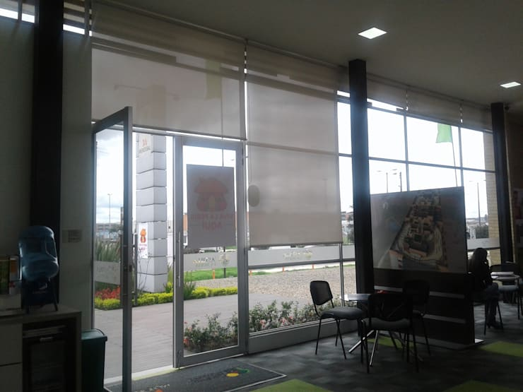 Fachada vista interna SDV.: Persianas de estilo  por MS - CONSTRUCCIONES MARIO SOTO & Cìa S.A.S.