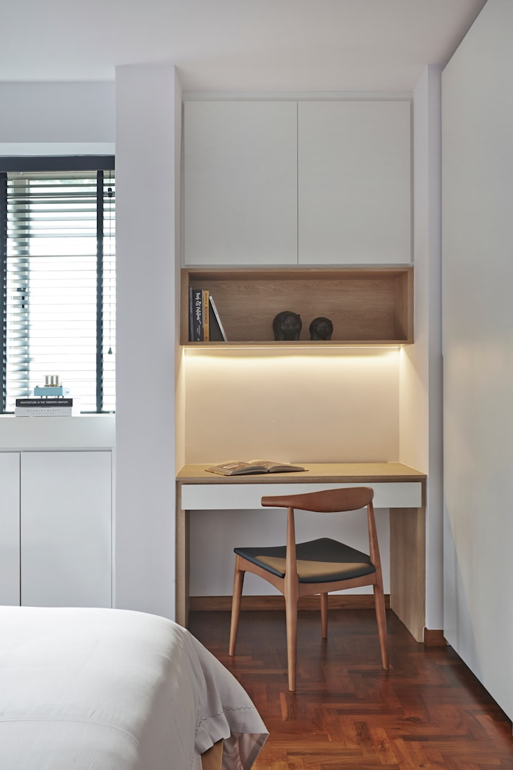 CLEMENTI PARK:  Study/office by Eightytwo Pte Ltd