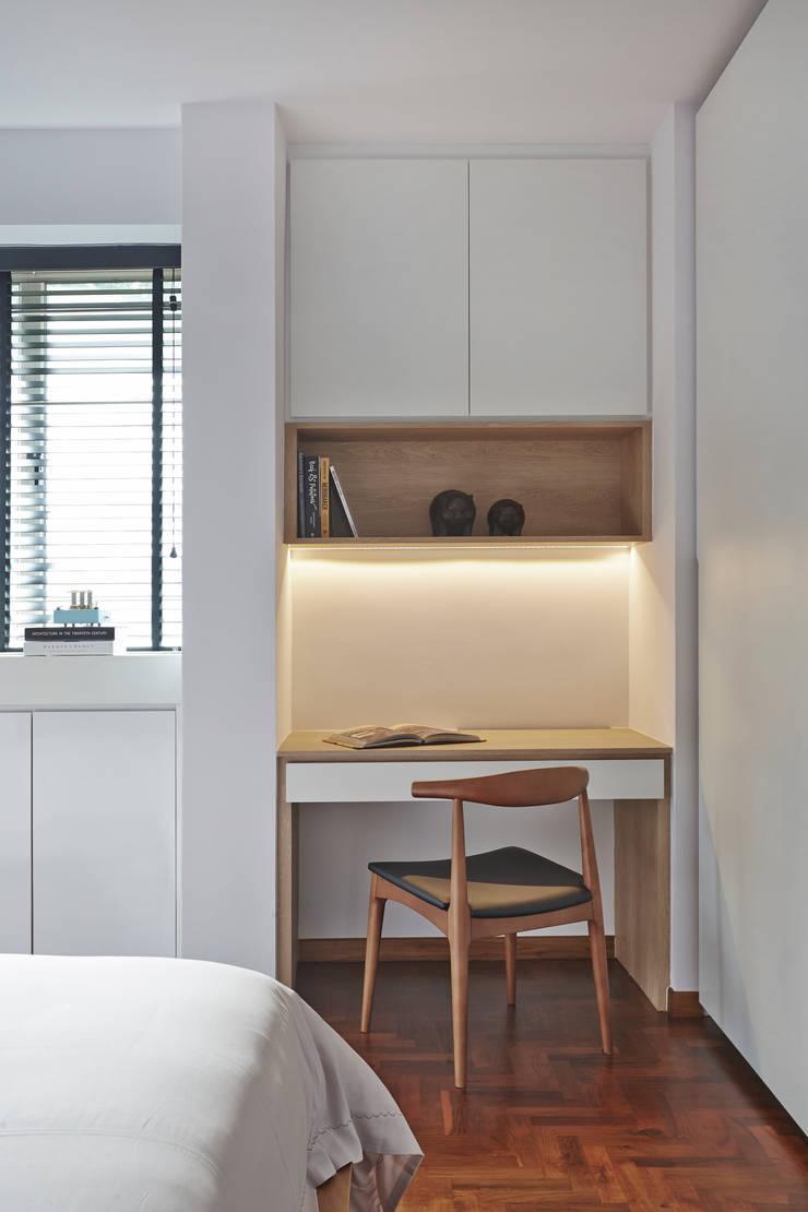 CLEMENTI PARK: scandinavian Study/office by Eightytwo Pte Ltd