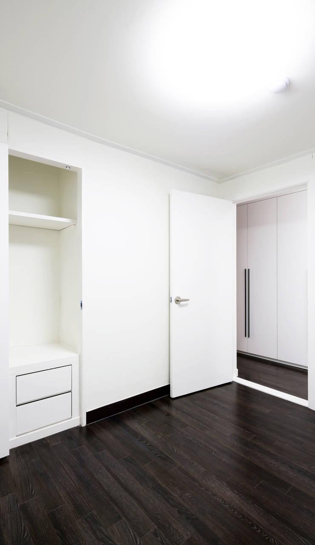 전농동 우성아파트: 주식회사 착한공간연구소의  방