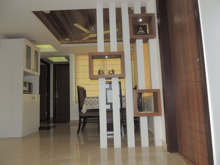 Dwarka sector 19B:  Corridor & hallway by CREDENCE INTERIO,Modern