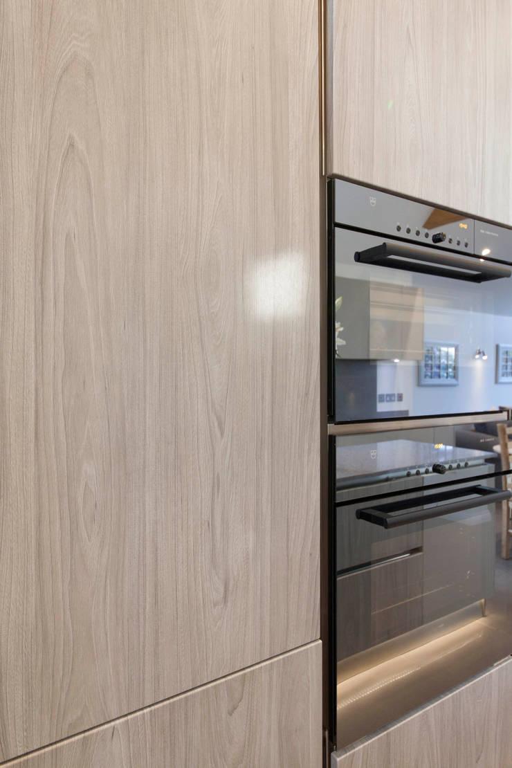 Stoke Row - Modern Kitchen: modern Kitchen by cu_cucine