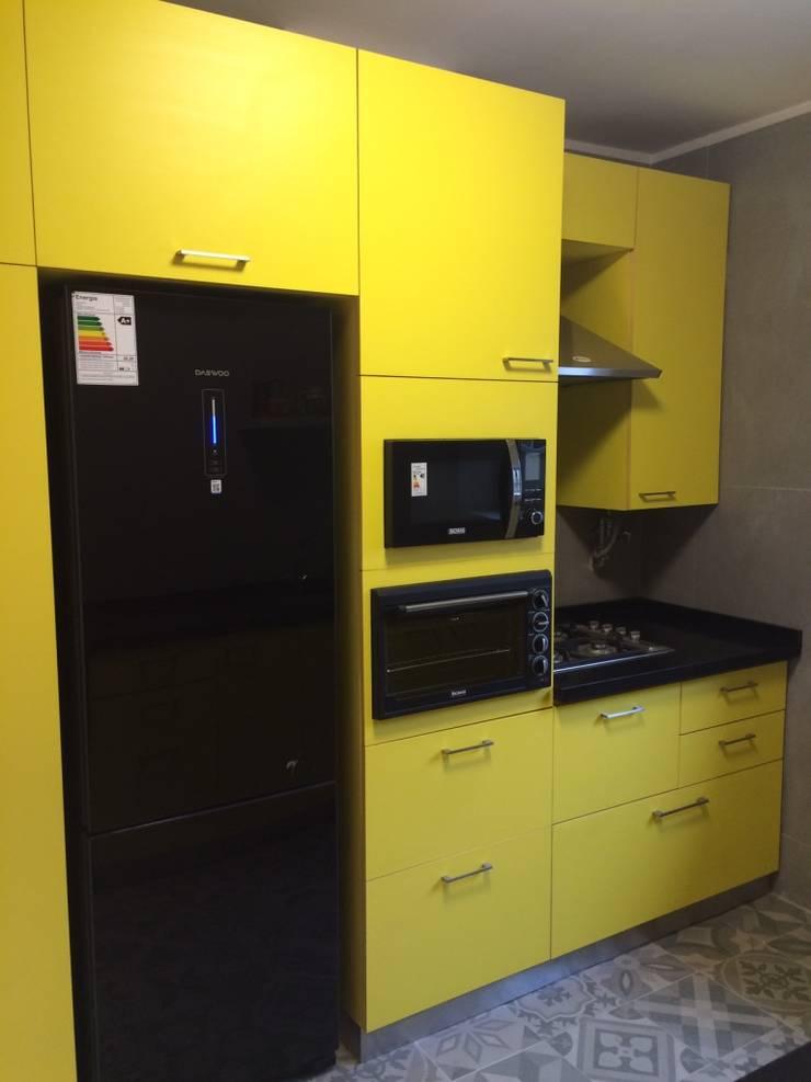 Mural muebles cocina: Muebles de cocinas de estilo  por PICHARA + RIOS arquitectos