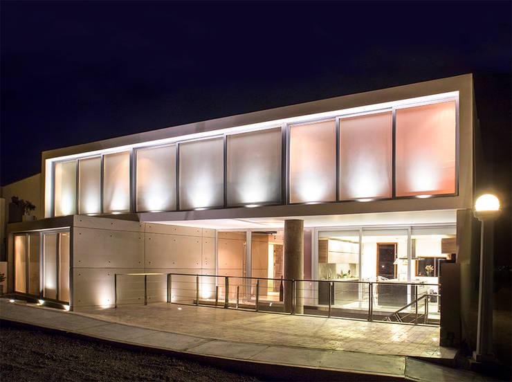 CASA TERRAZA: Casas de estilo moderno por Chetecortés