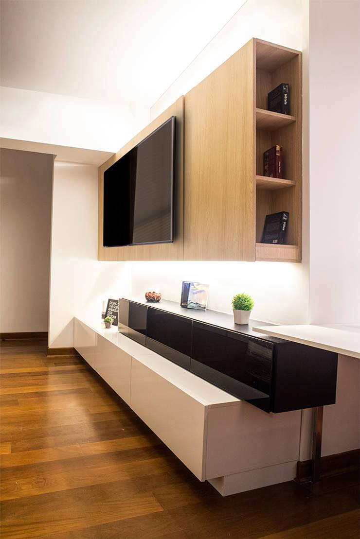 3 SOLID - Mueble TV: Dormitorios de estilo  por Chetecortés