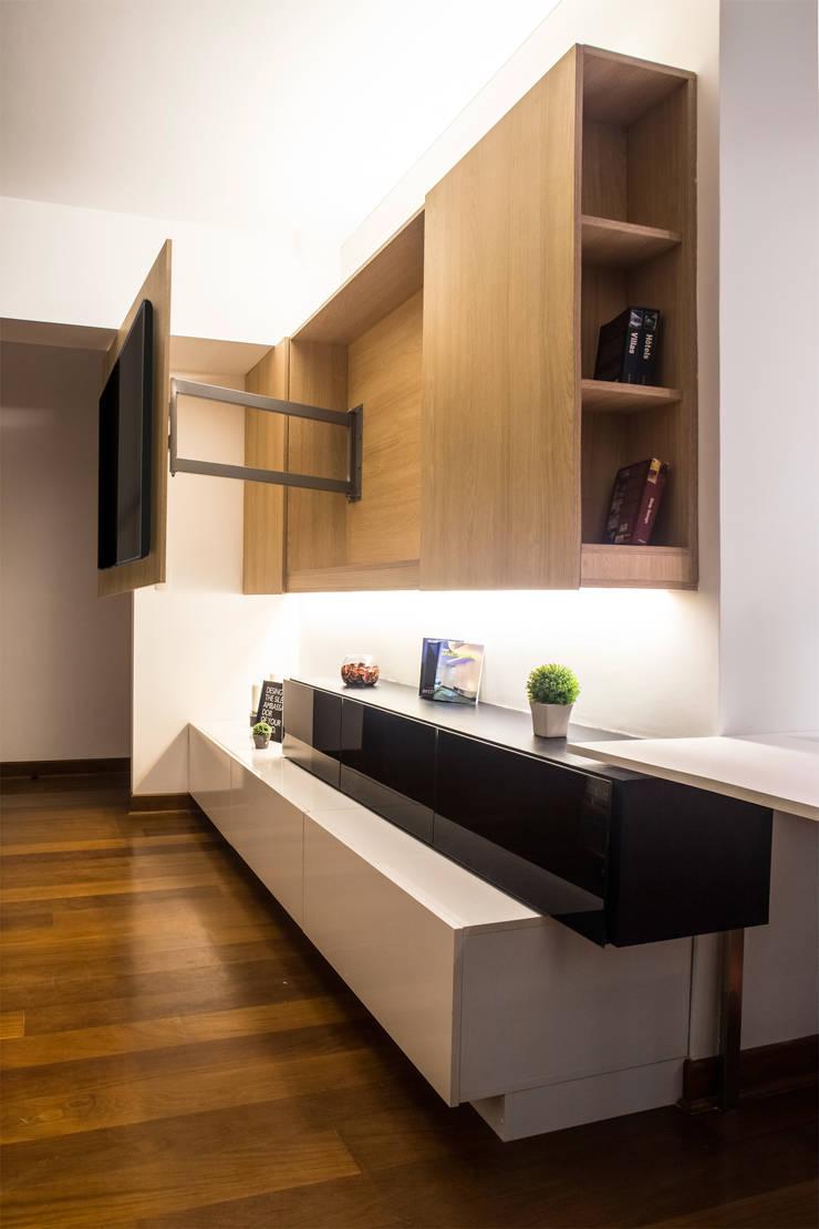 3 SOLID – Mueble TV: Dormitorios de estilo  por Chetecortés