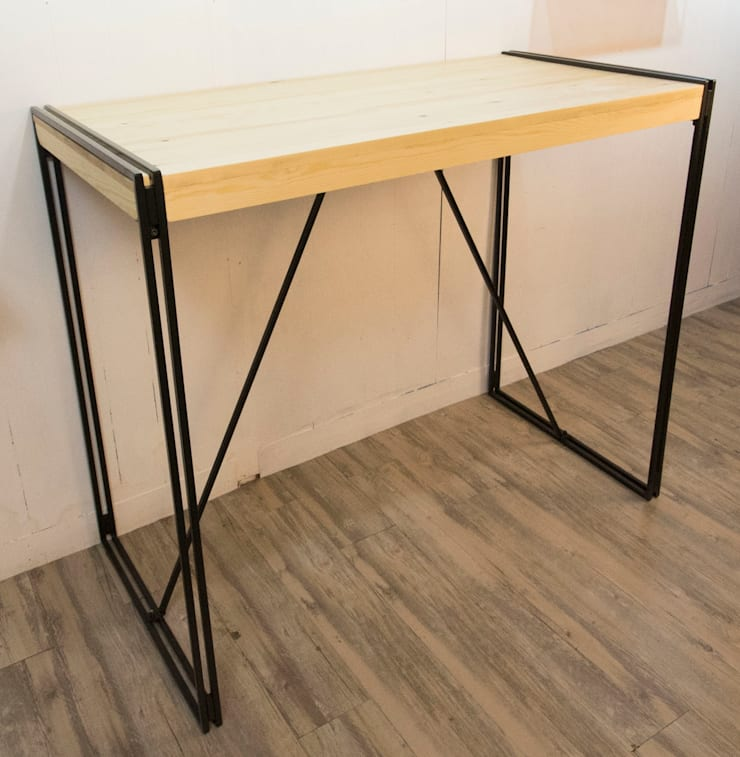 Double Bar Table Industrial Style:  Dining room by SPRUE Limited