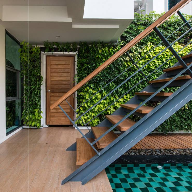 บ้านเอกมัย:   by t+architecture