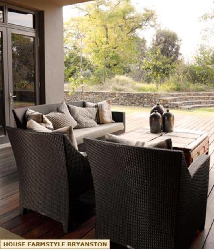 EXTERIOR DESIGNS - PATIO SEATING:  Patios by Kiara Tiara by Tanja Tomaz