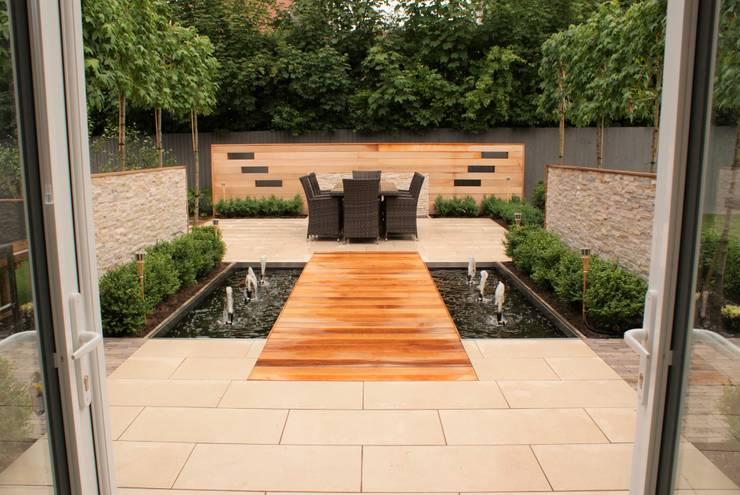 Garden Design - Cheshire:  Garden by Hannah Collins Garden Design