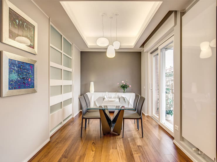 Dining room by MOB ARCHITECTS