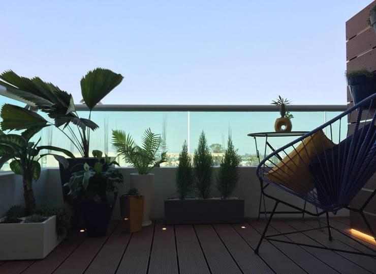Resultado final del Departamento en Guadalajara : Terrazas de estilo  por Citlali Villarreal Interiorismo & Diseño