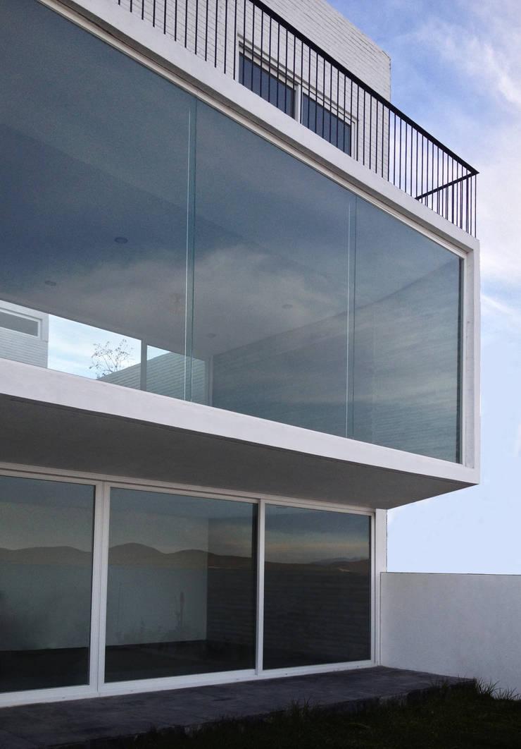 von AWA arquitectos Modern Stahlbeton