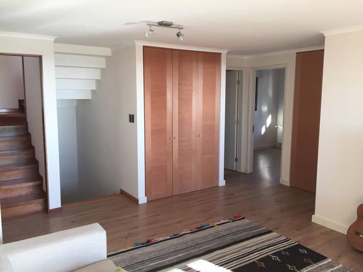 Sala de Estar: Livings de estilo  por Rocamadera Spa