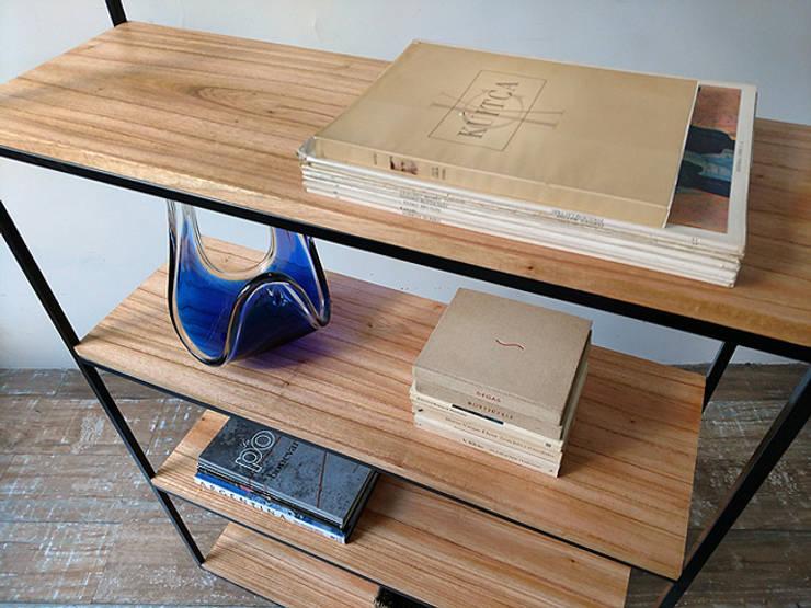 Bibliotecas Minimalistas para tu Hogar  y Oficina.: Livings de estilo  por Tienda Quadrat