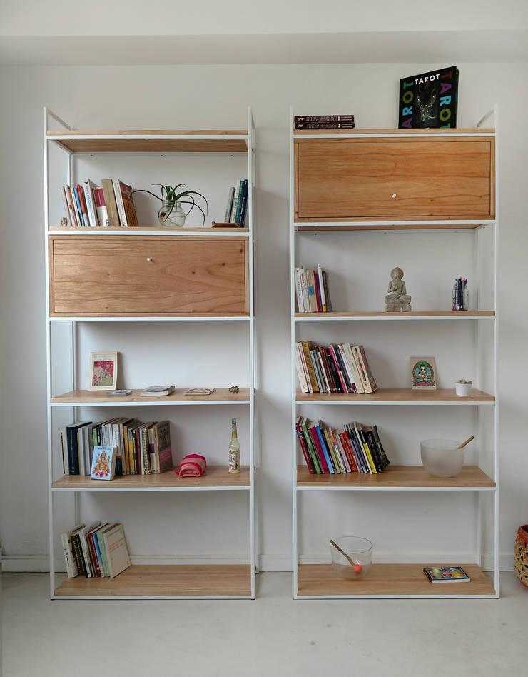 Bibliotecas Minimalistas para tu Hogar  y Oficina. : Livings de estilo  por Tienda Quadrat