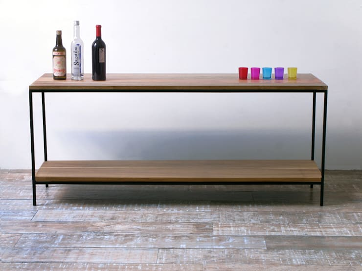 Aparador para TV Tienda Quadrat , en madera de peteribi con hierro: Livings de estilo  por Tienda Quadrat