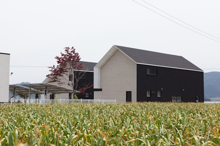 房子 by 이웃건축