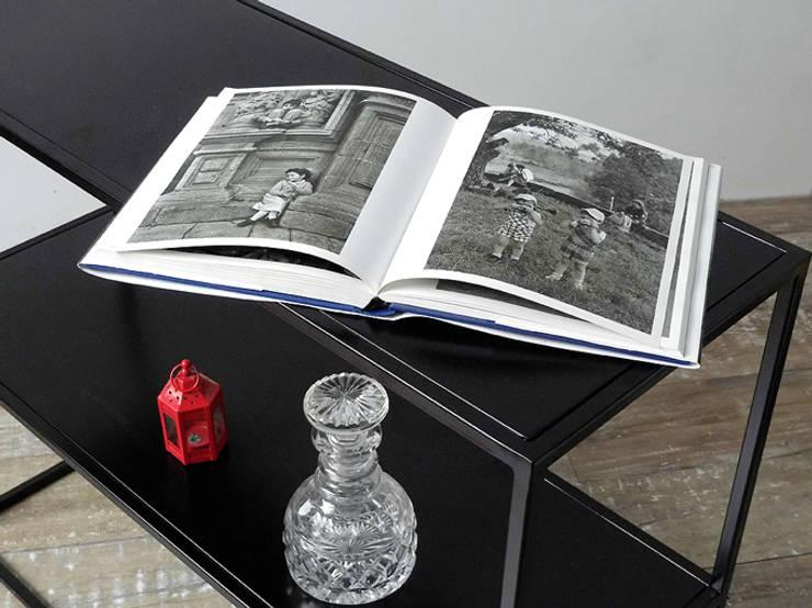 Consola , mesa recibidor  de chapa diseño minimalista: Livings de estilo  por Tienda Quadrat,