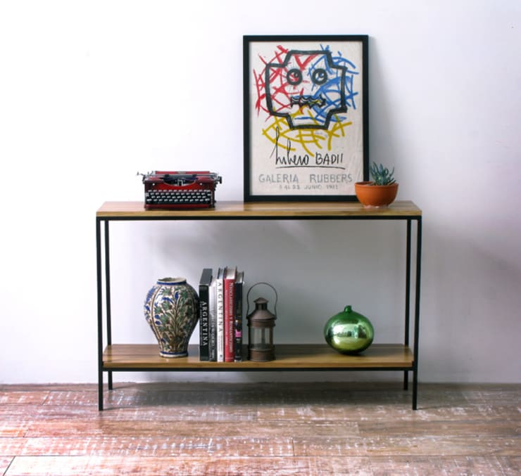 Consola Dressoire de hierro y madera Peteribi: Livings de estilo  por Tienda Quadrat,