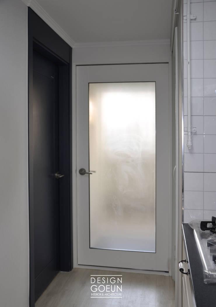 부천 모던하우스: 디자인고은의  문,모던