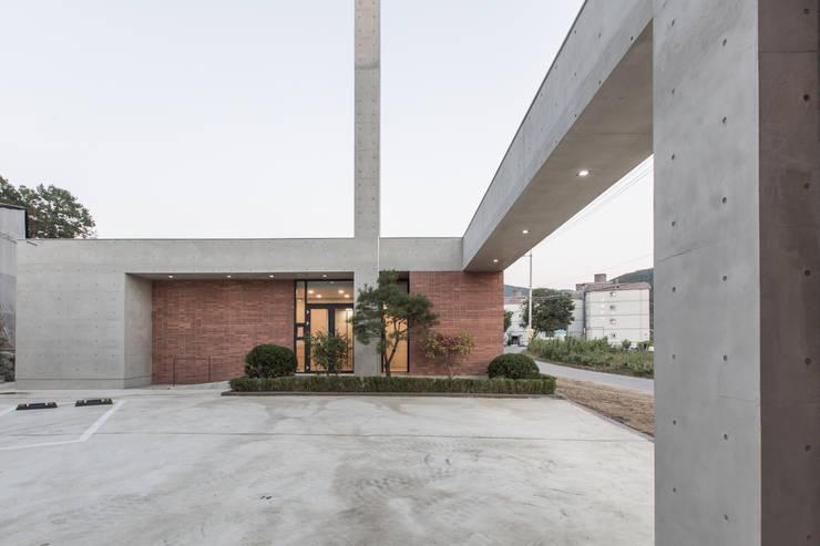 Palais des congrès de style  par 오종상 건축사