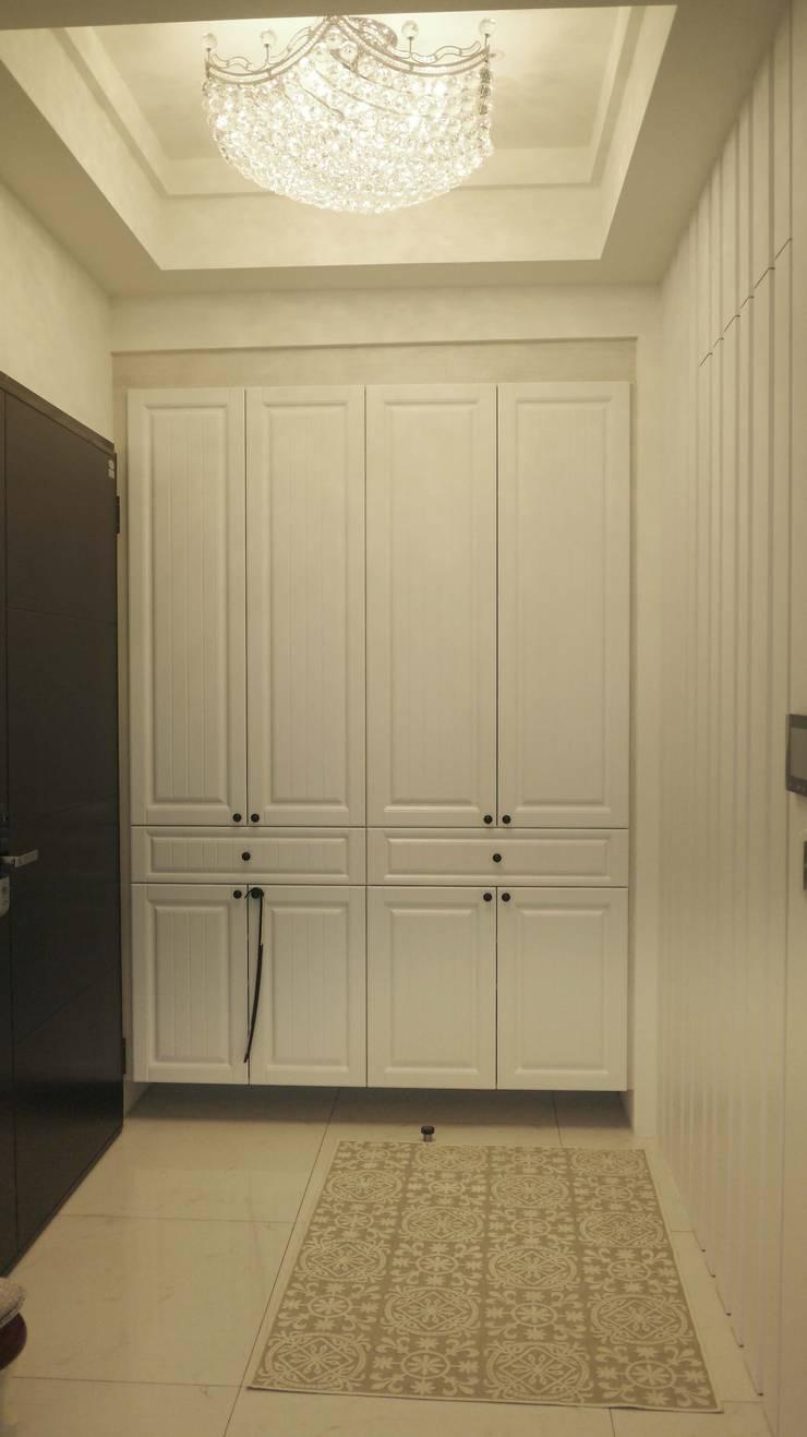 玄關鞋櫃:  客廳 by Gavin室內裝修設計
