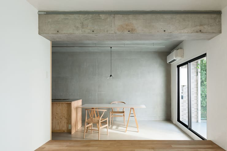 MOR   東中野の家: 森孝行建築設計事務所が手掛けたダイニングです。