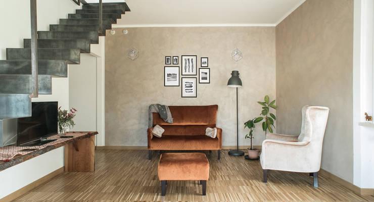 Sweet Home Forlì: Soggiorno in stile  di Arkinprogress