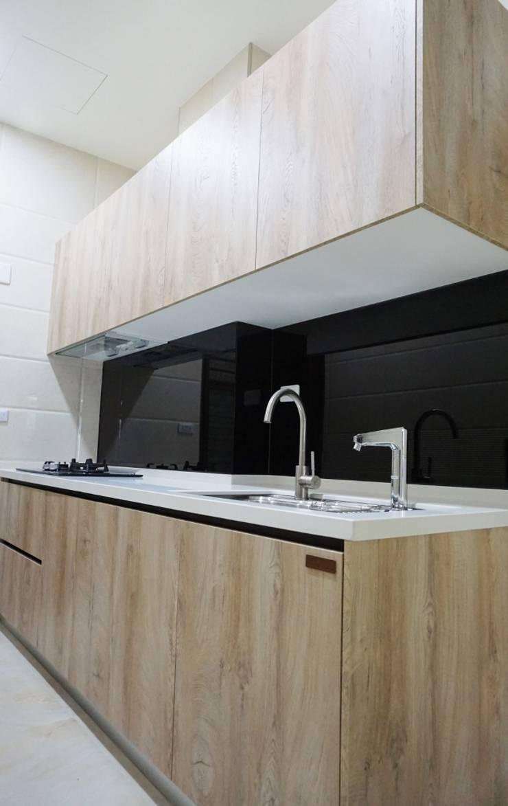 廚房規劃  廚具設備  KITCHEN:  系統廚具 by DOMO德盟櫥櫃設計-台中旗艦店