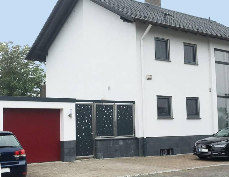 Sicherheit Eingangstür:  Vorgarten von Edelstahl Atelier Crouse - individuelle Gartentore