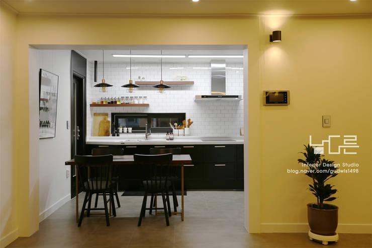 이곡동 상가주택 38평형: 남다른디자인의  다이닝 룸,모던