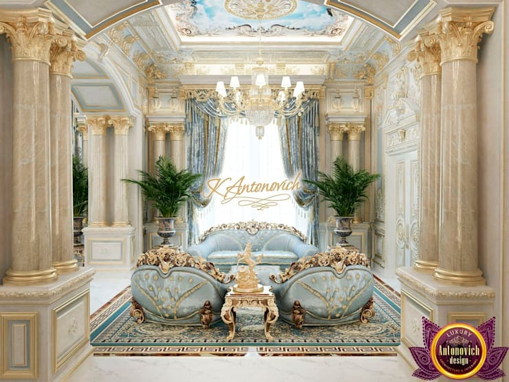 Classic home interior decoration by Katrina Antonovich:  Corridor & hallway by Luxury Antonovich Design, Classic