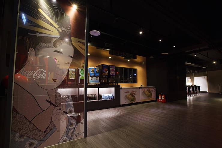 日式料理-商業空間:  餐廳 by 天埕設計