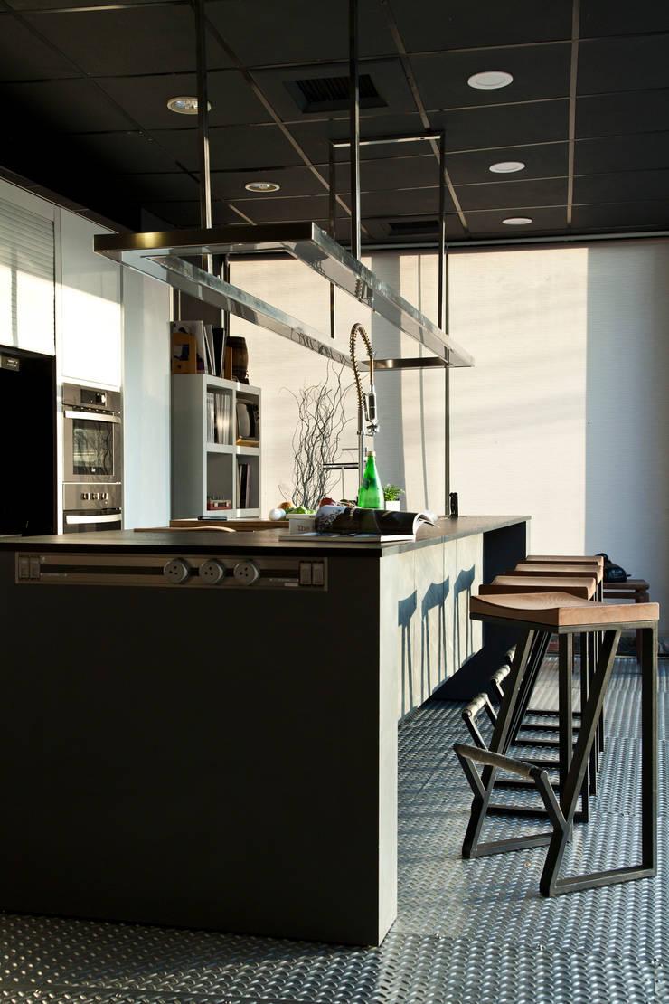 商業展示空間:  餐廳 by 天埕設計