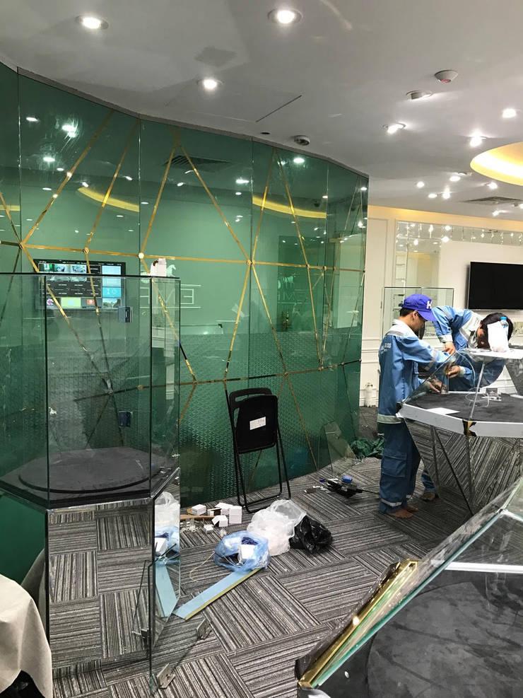 Showroom Diamond Empire:   by TNHH XDNT&TM Hoàng Lâm
