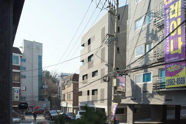 목동 동심원: 소수건축사사무소의  주택,모던