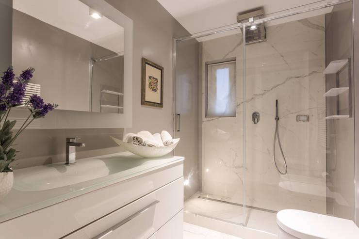 浴室 by Viu' Architettura