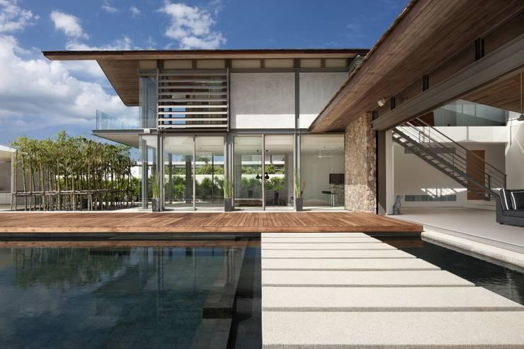 Sava Sai— Phuket, Thailand: modern Houses by Original Vision