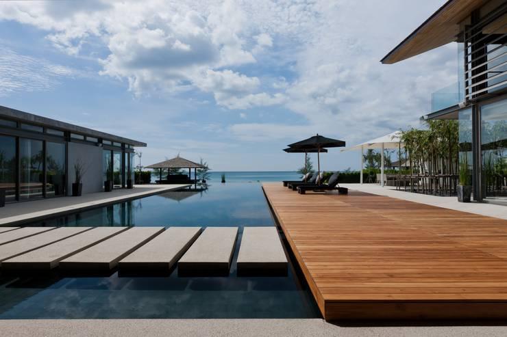 Sava Sai— Phuket, Thailand: modern Pool by Original Vision