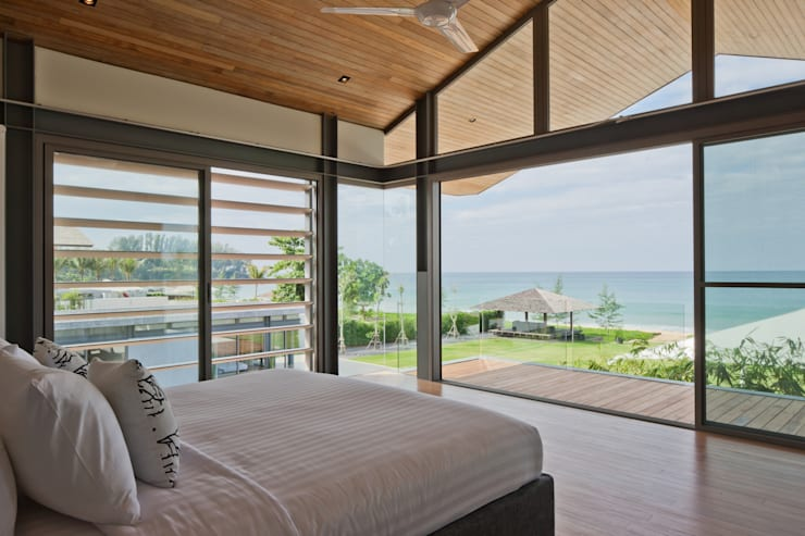 Sava Sai— Phuket, Thailand: modern Bedroom by Original Vision