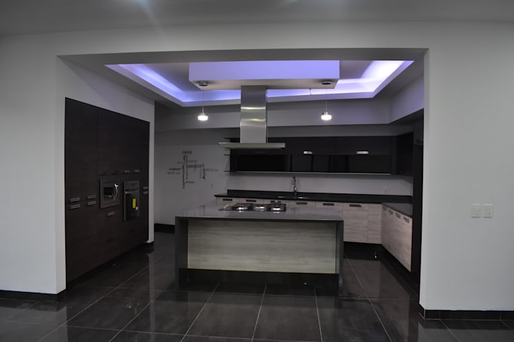 Kitchen by DEVELOP ARQUITECTOS