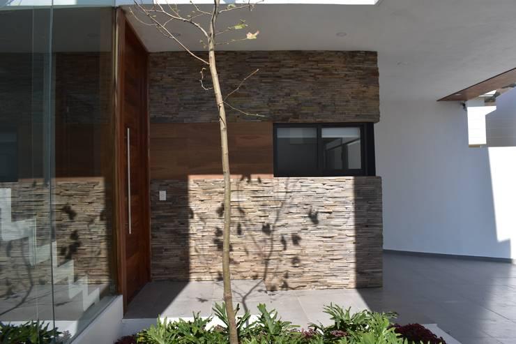 Walls by DEVELOP ARQUITECTOS