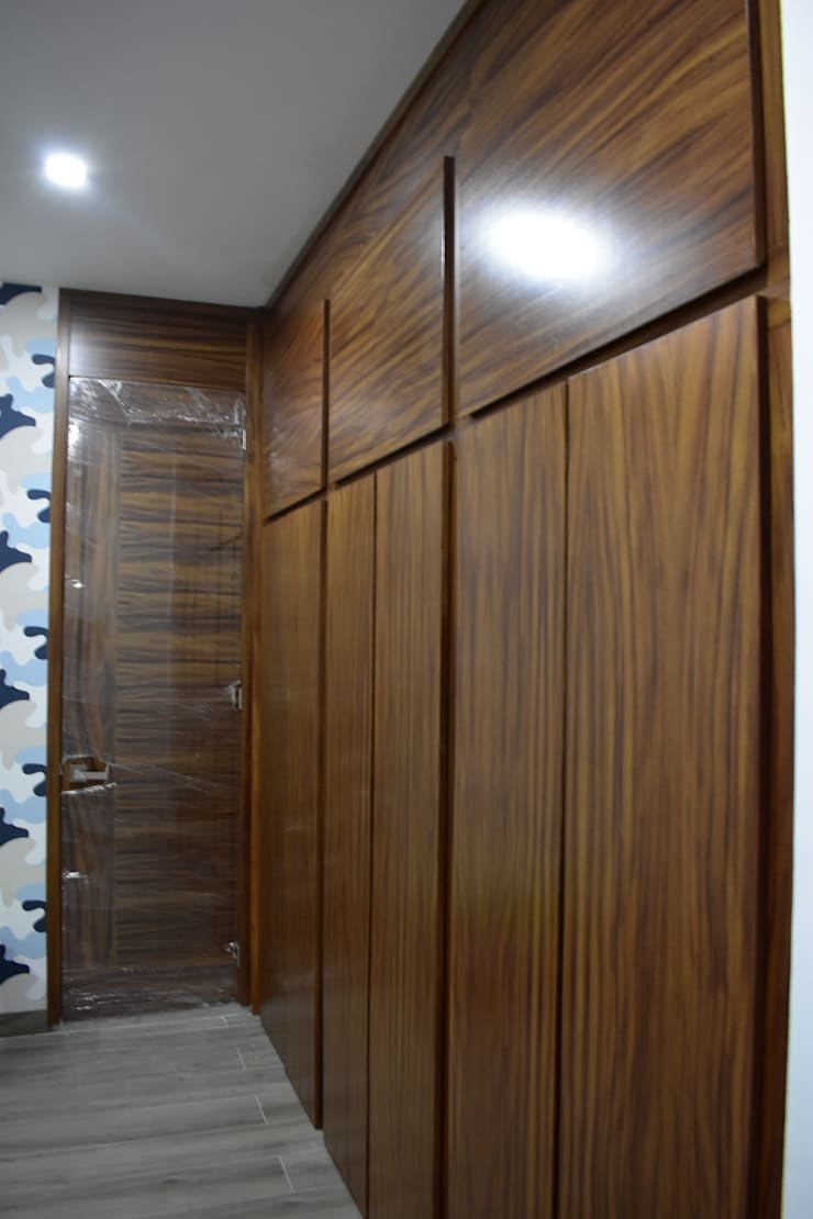 Dressing room by DEVELOP ARQUITECTOS
